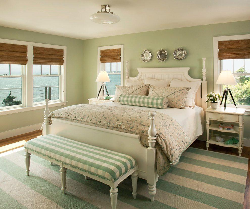 Подушка валик зеленая