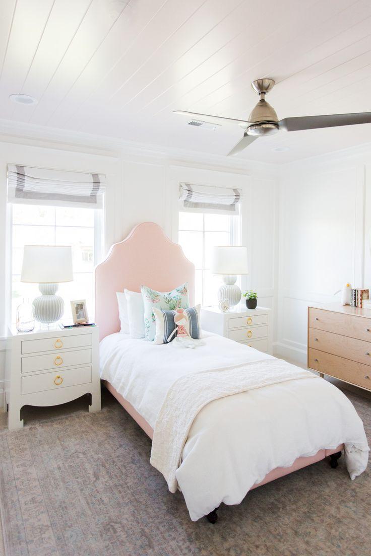 Кровать для девочки в английском стиле