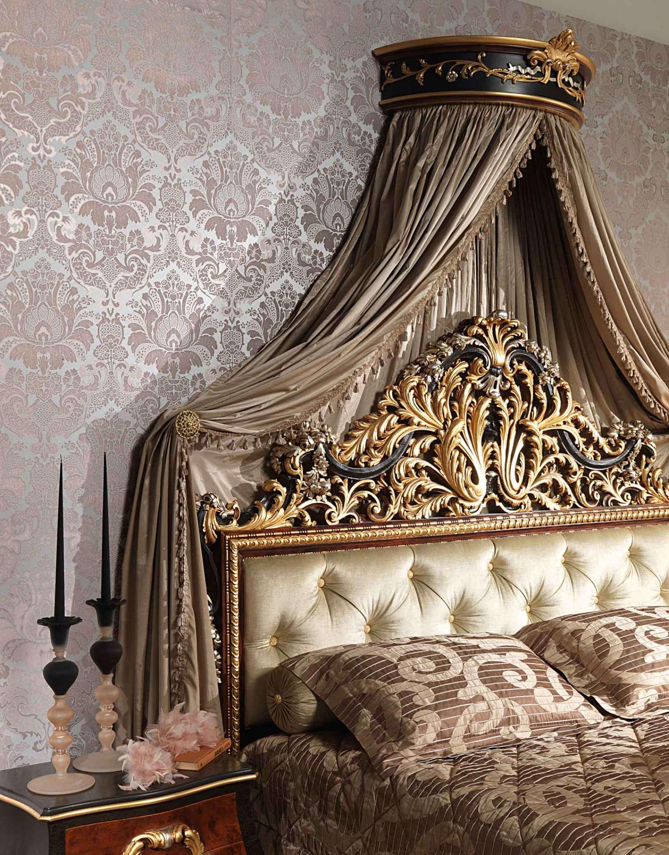 Резная кровать с балдахином