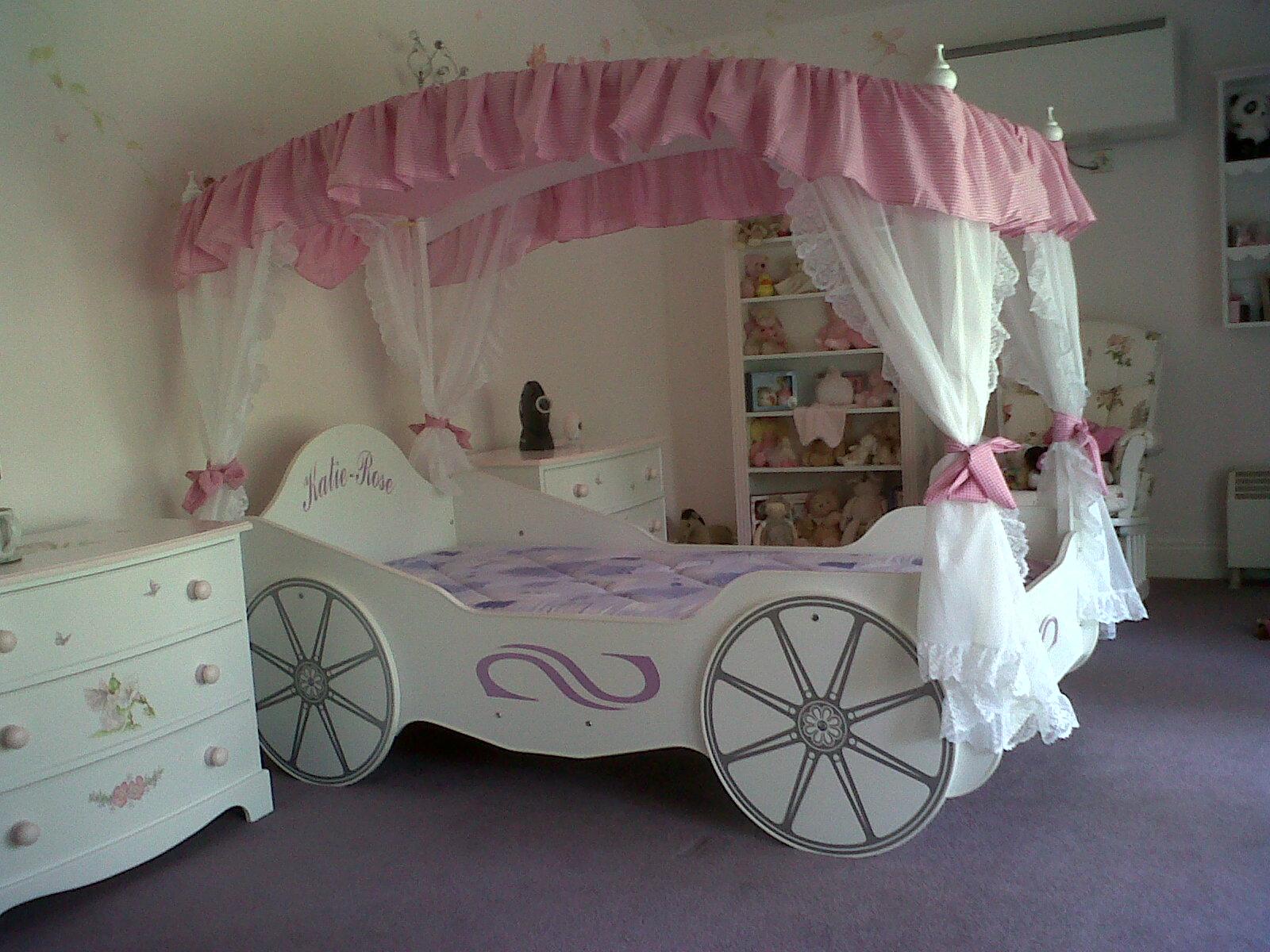 Кровать-карета с балдахином