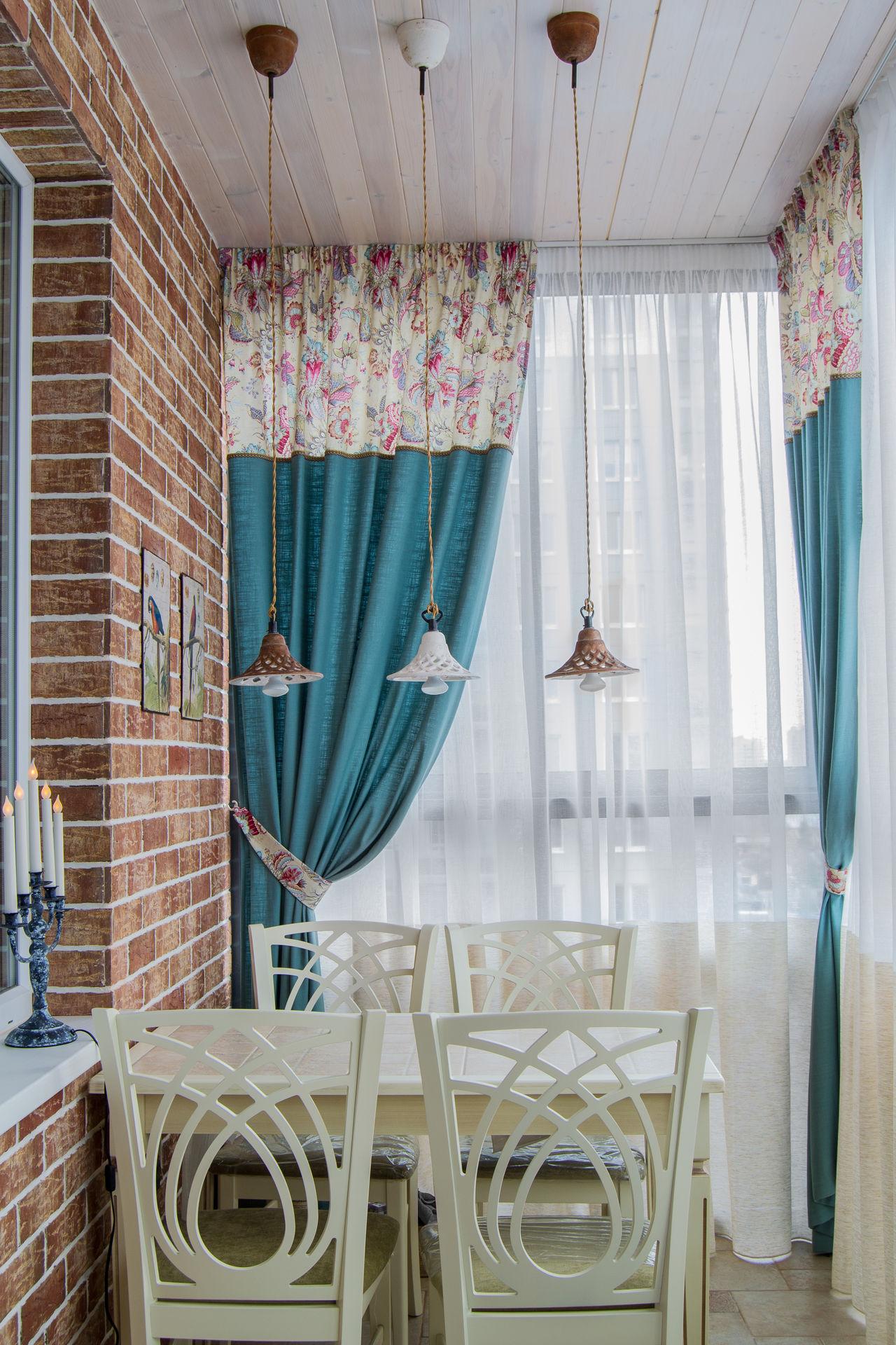 Шторы в стиле прованс на балконе
