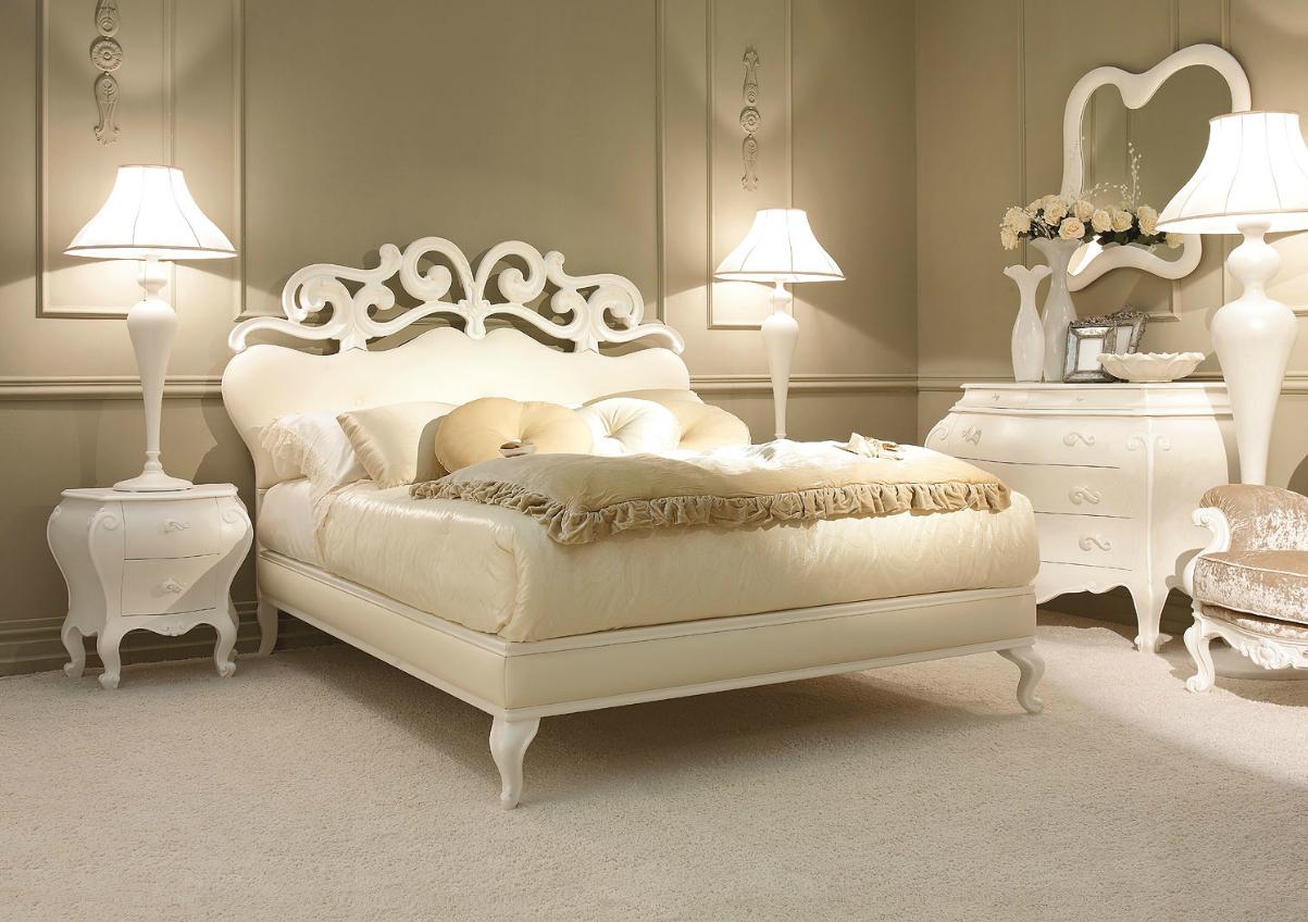 Резная белая кровать