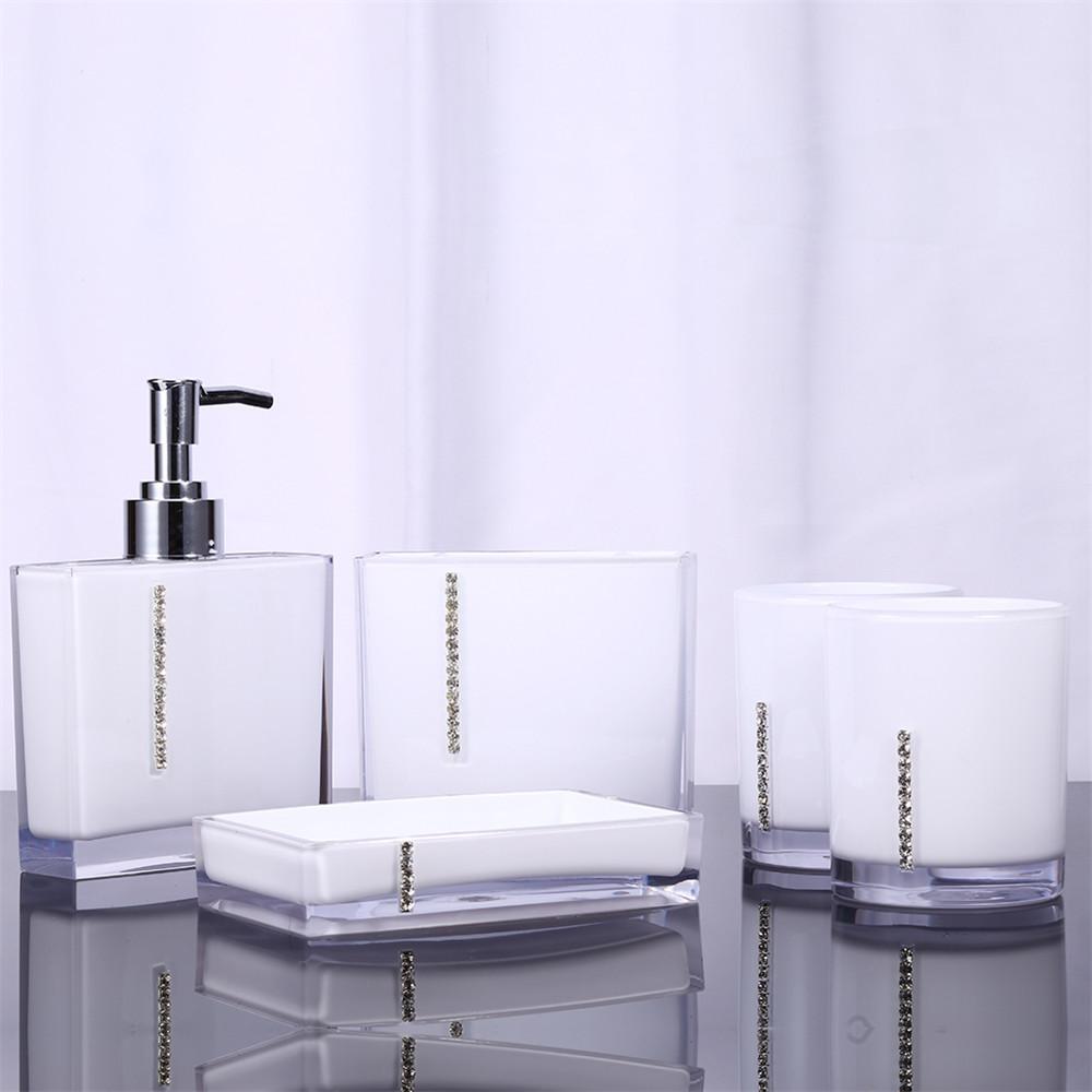 Белая мыльница для ванной