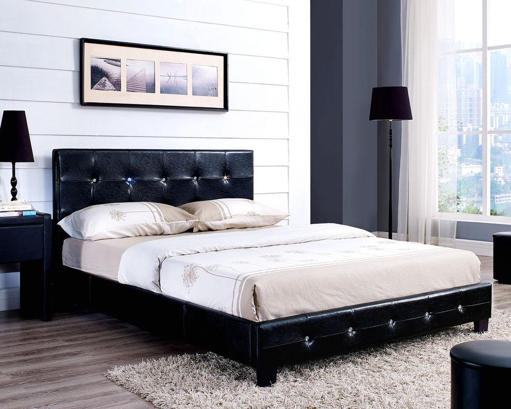 Реечная кровать из черной кожи