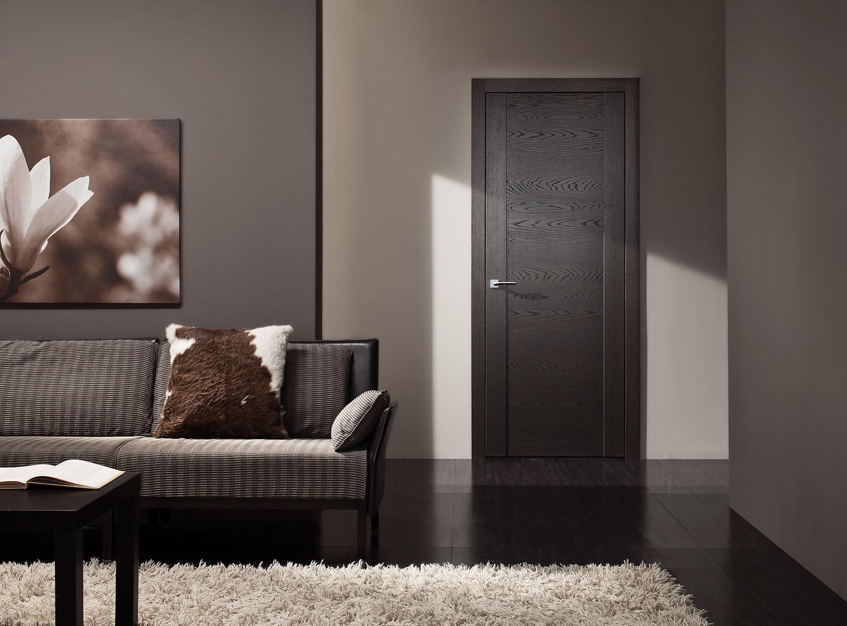 Черная дверь из экошпона