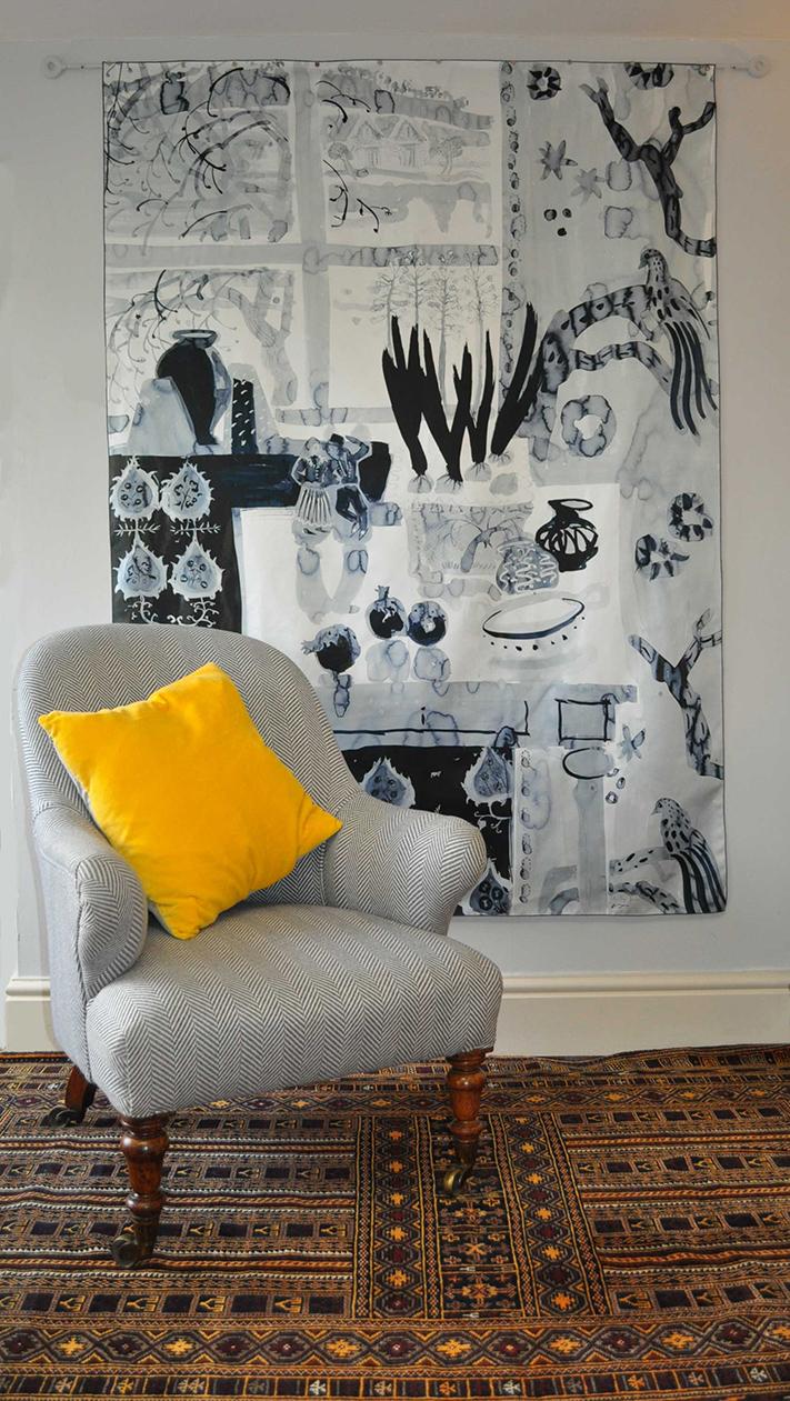 Картина из ткани в черно-белом цвете