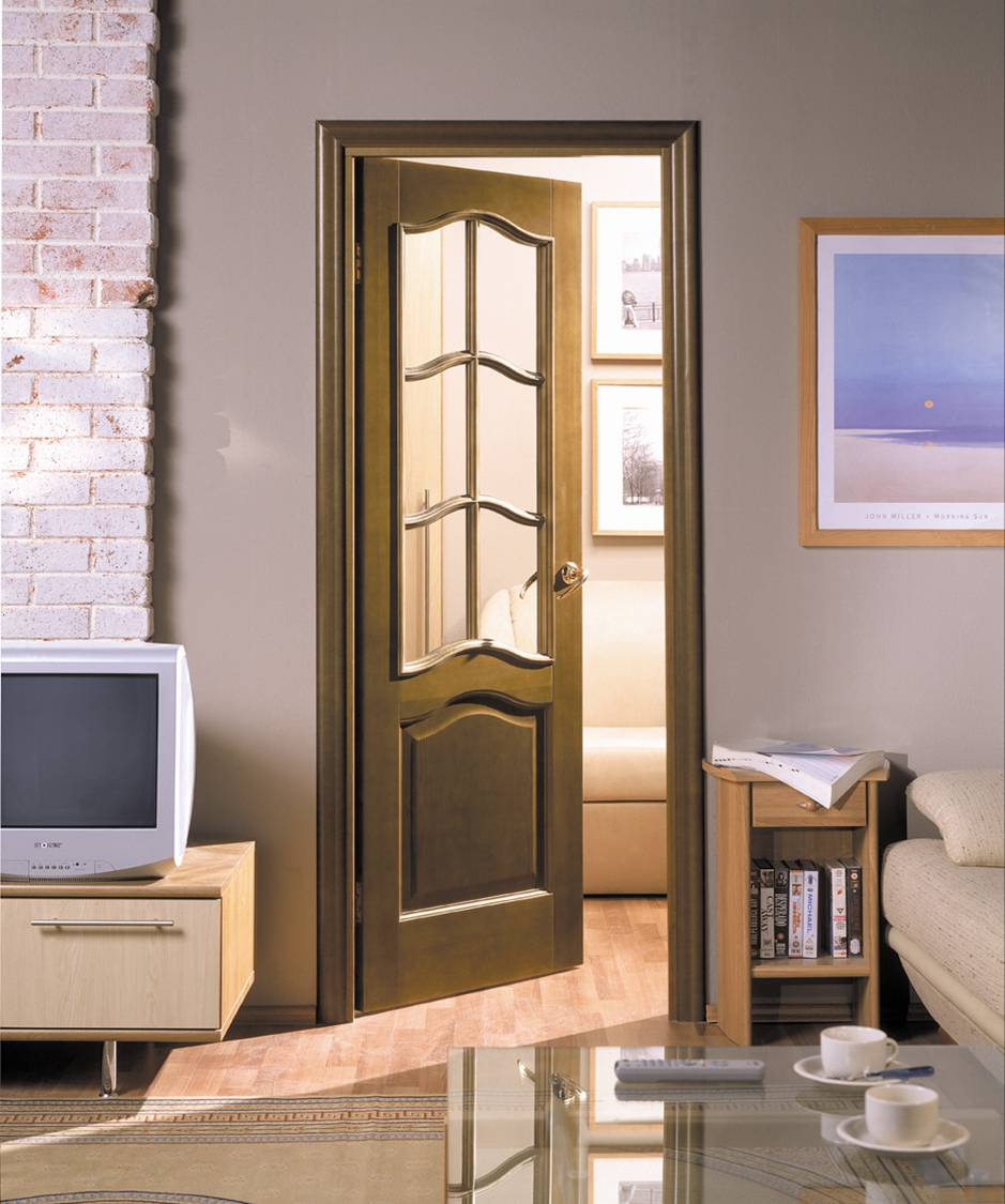Шпонированная классическая дверь