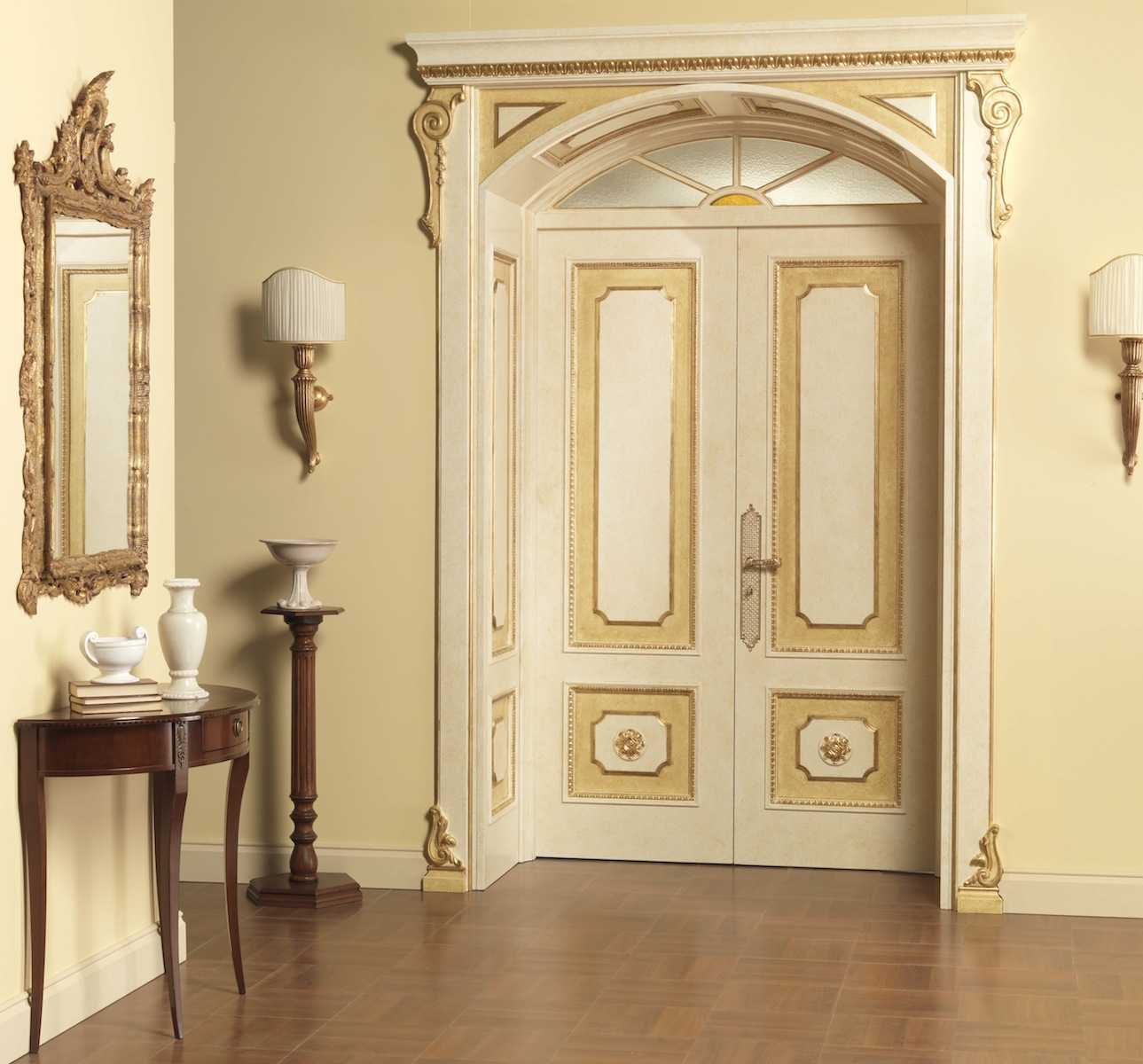 Двустворчатая дверь в классическом стиле