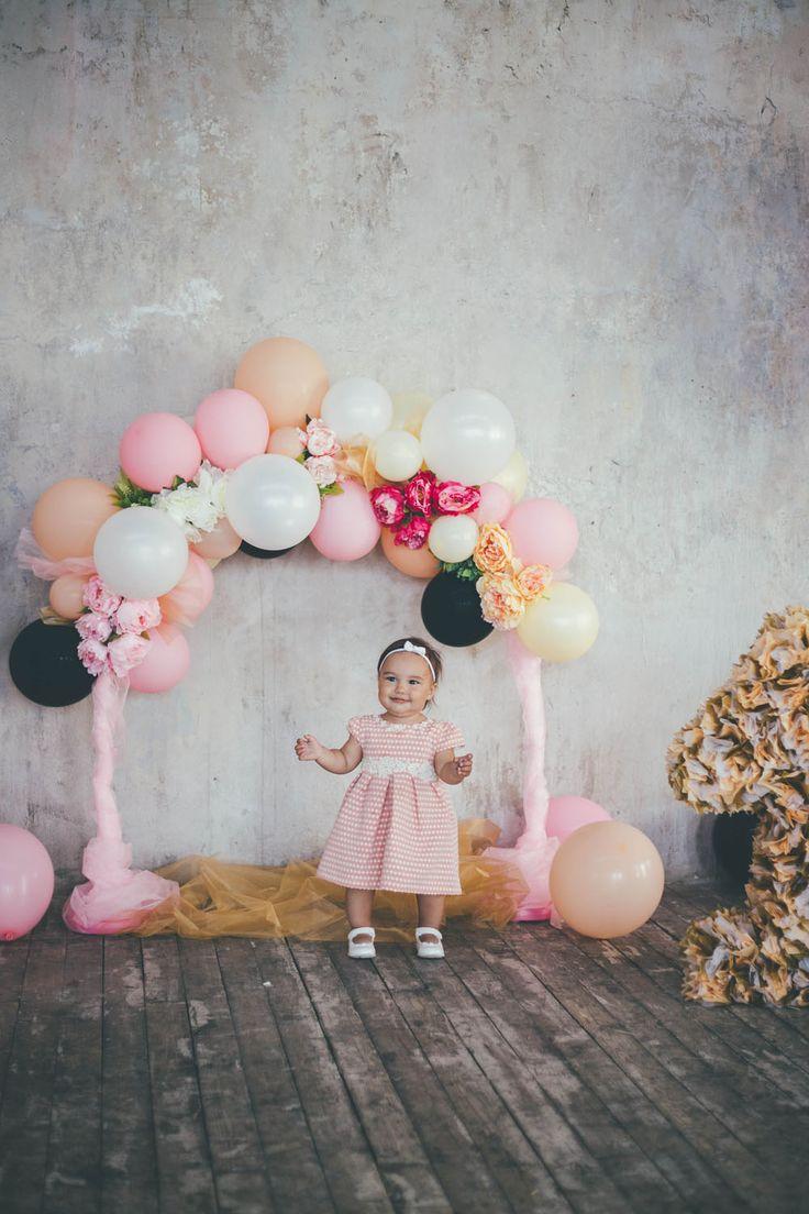 Оформление воздушными шарами и цветами
