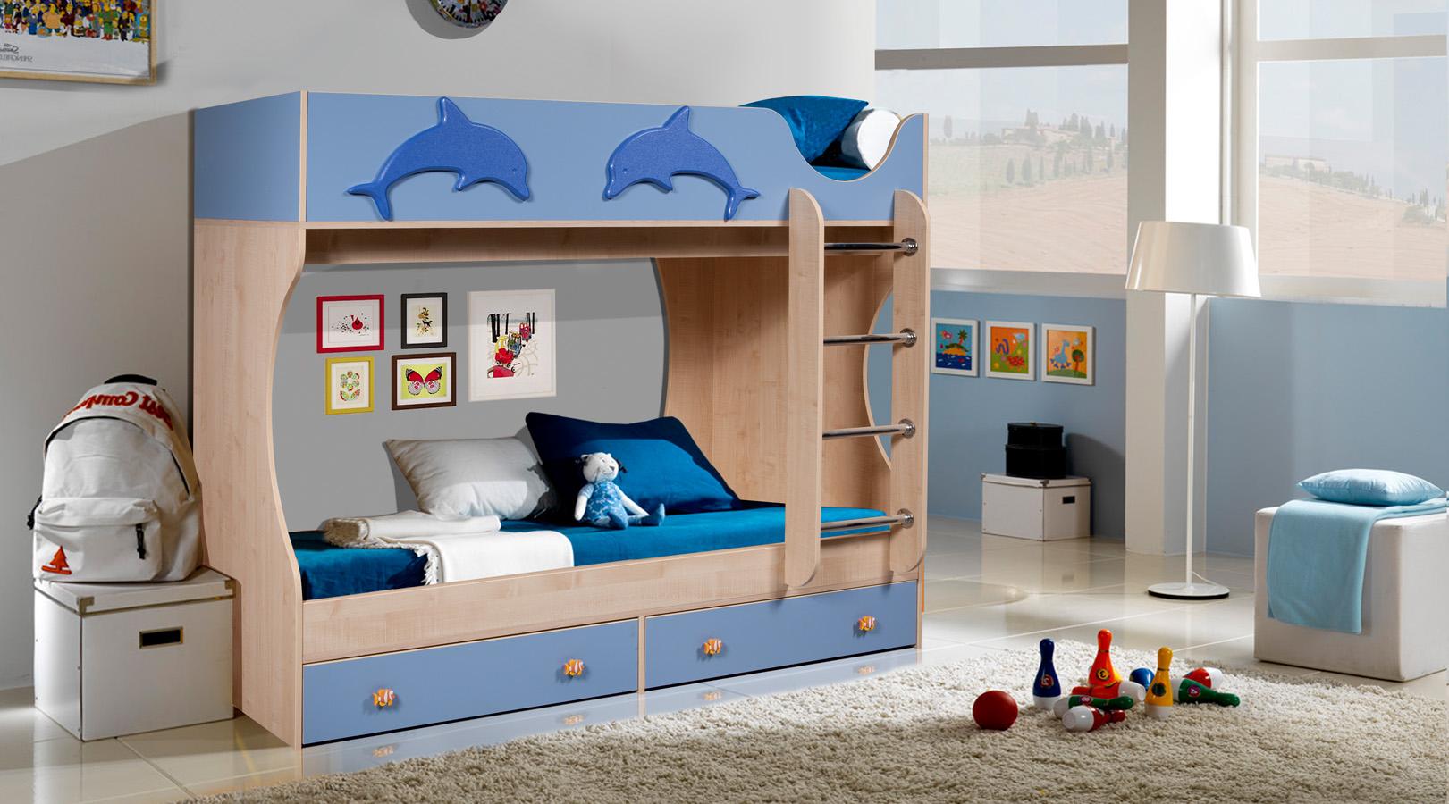 Синяя кровать-чердак с дельфинами