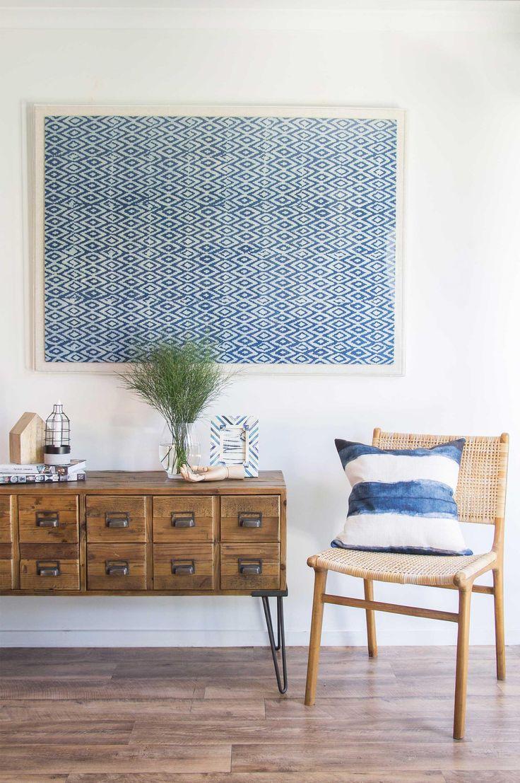 Картина из ткани с геометрическим рисунком