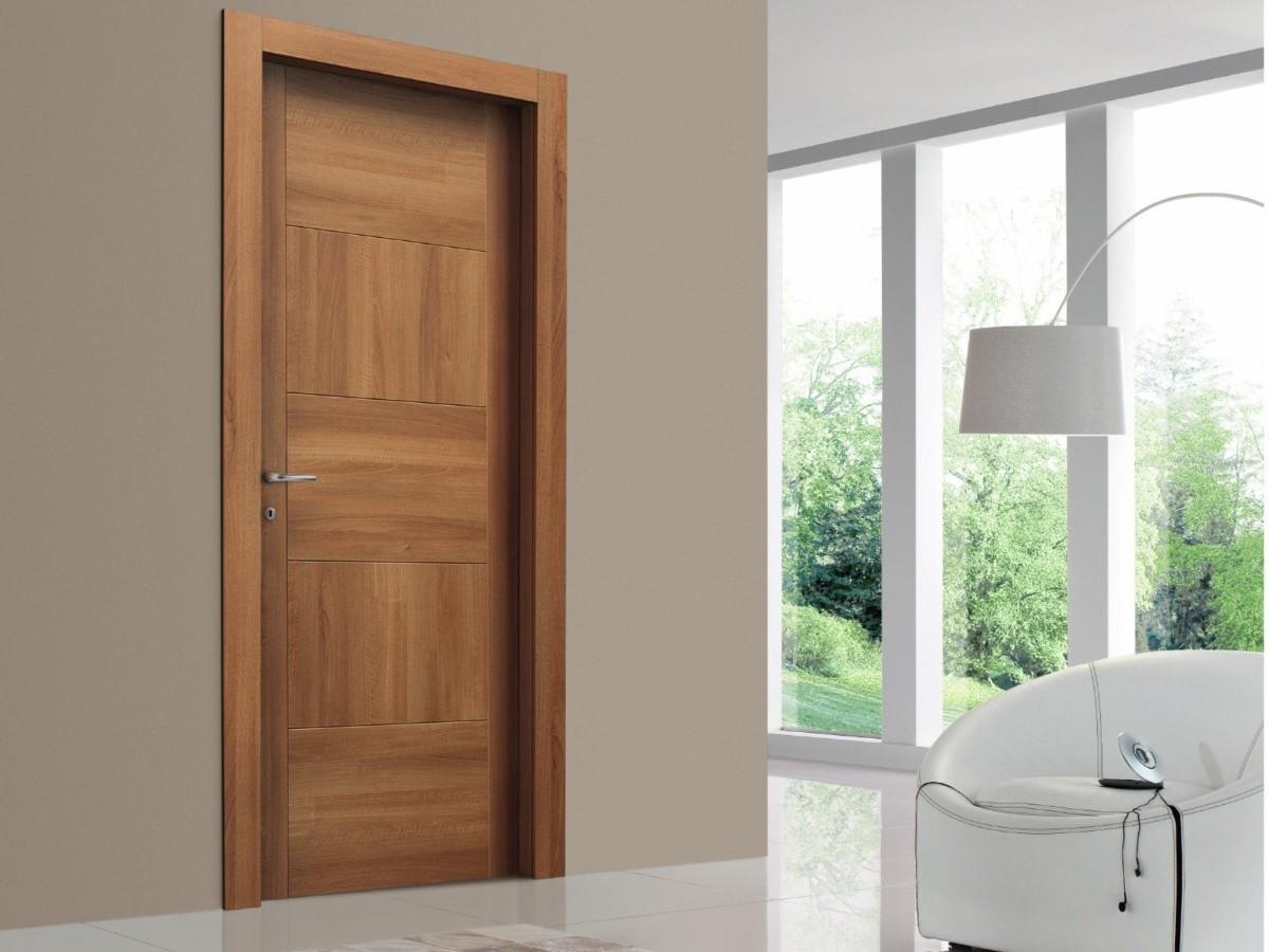 Шпонированная деревянная дверь