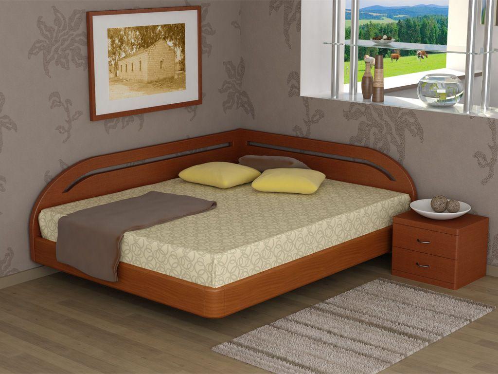 Угловая деревянная кровать