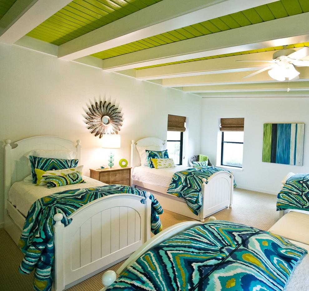 Деревянный зеленый потолок