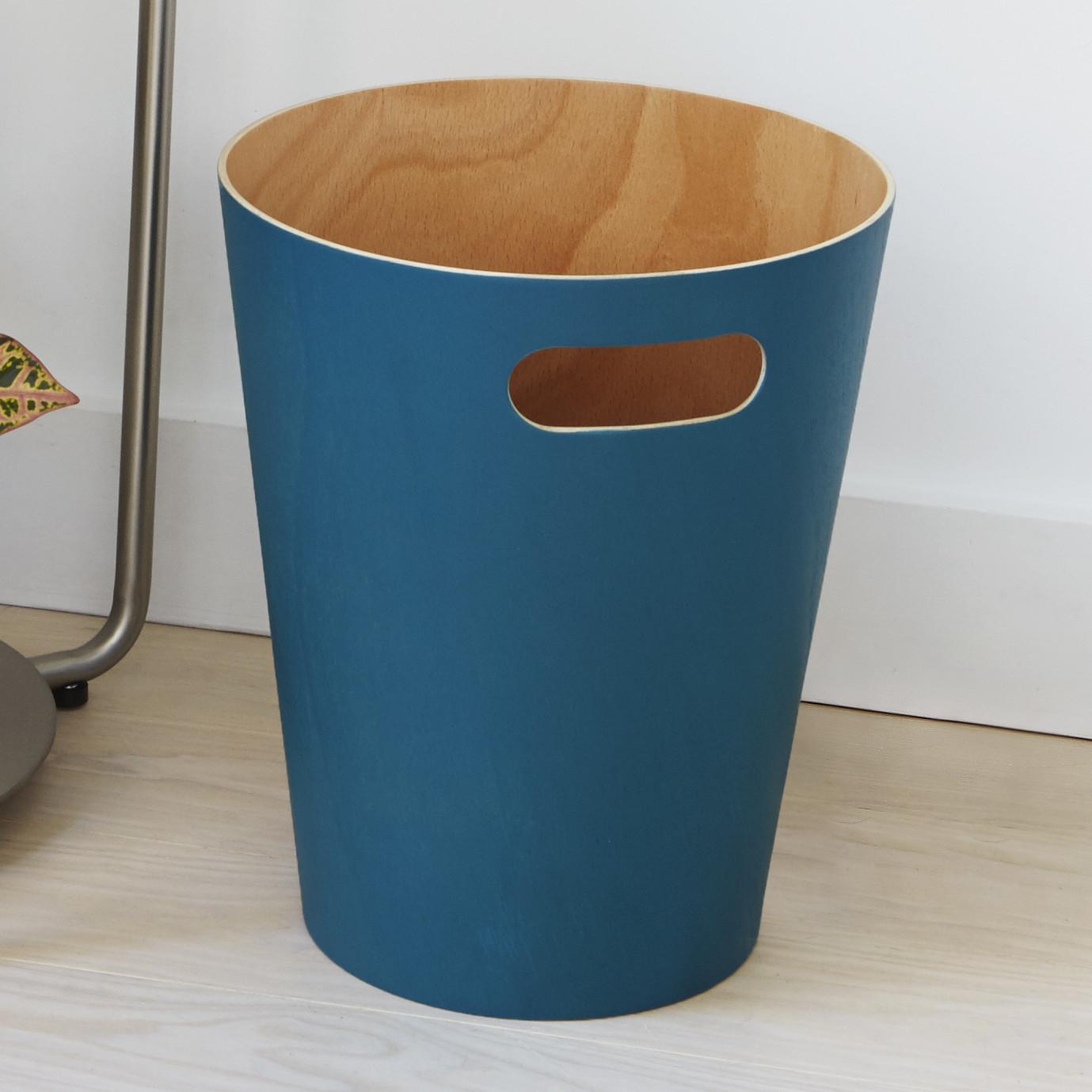 Деревянное ведро для мусора