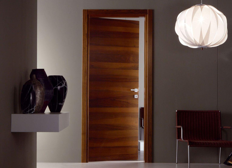 Деревянная дверь из экошпона