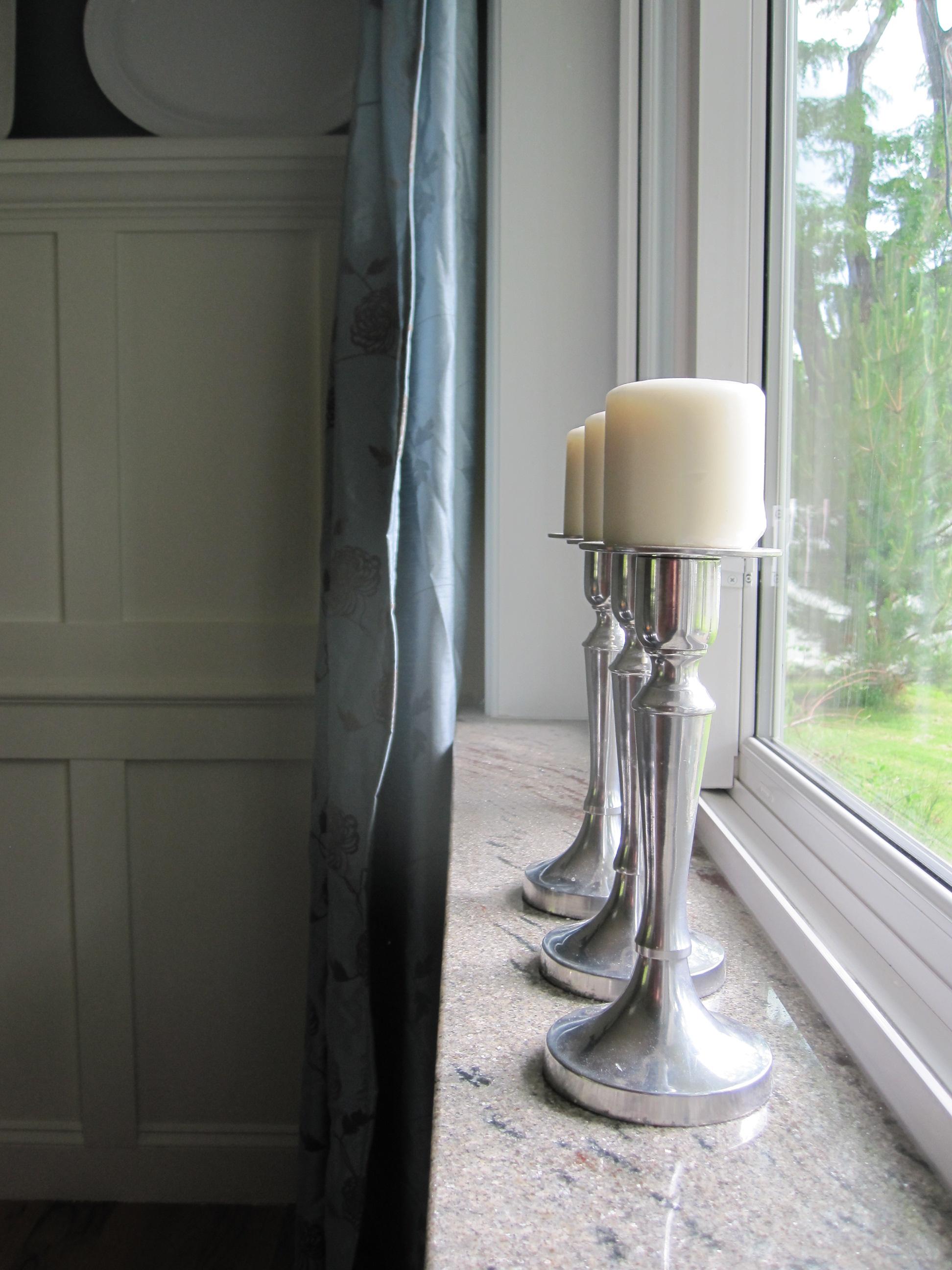 Подоконник из мрамора с добавлением гранитной крошки