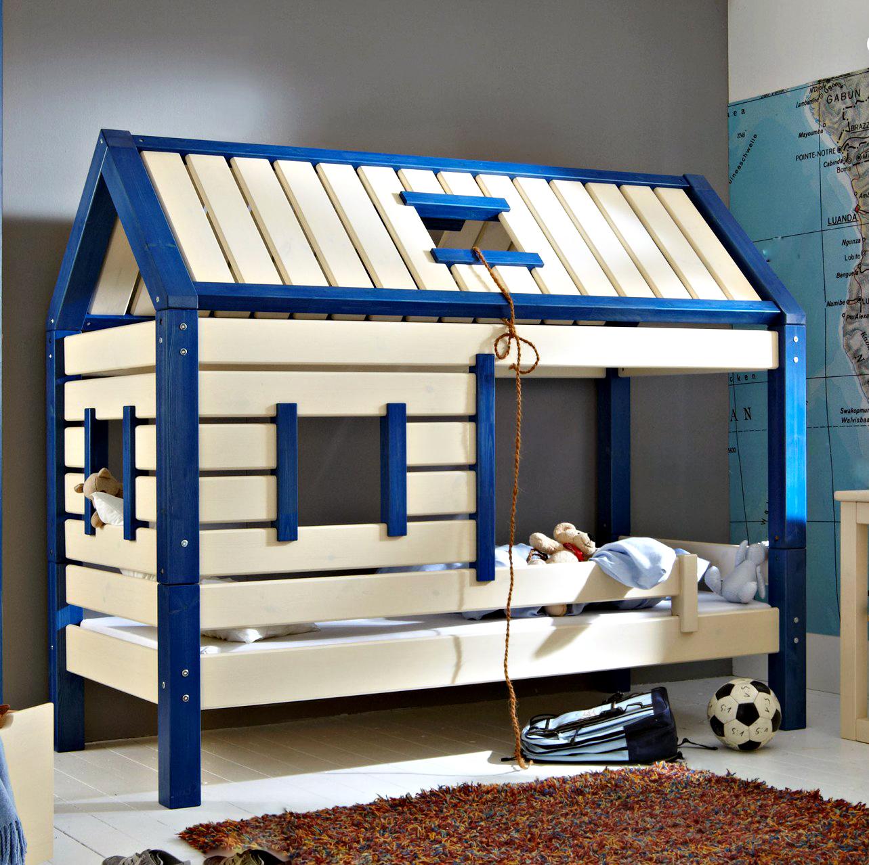 Кровать в виде домика для мальчика