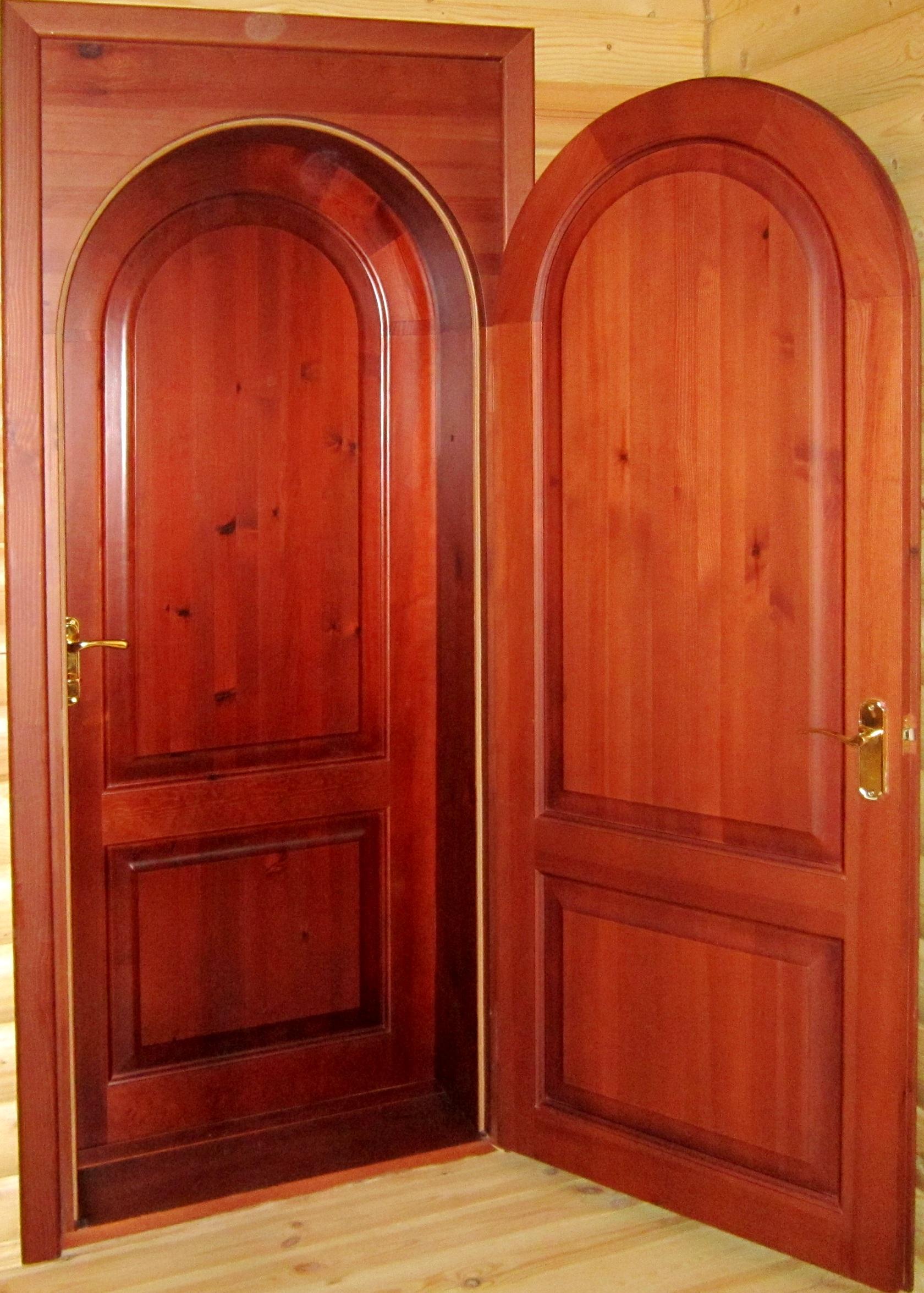 Двойная дверь из вишни
