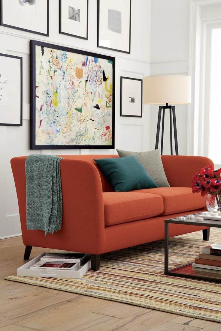 Оранжевый двухместный диван