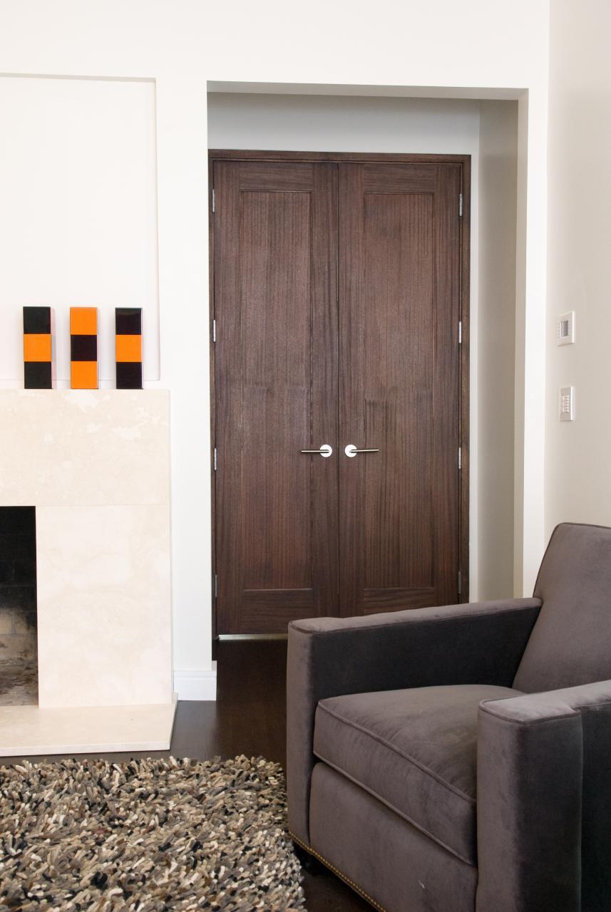 Двустворчатая дверь из ореха