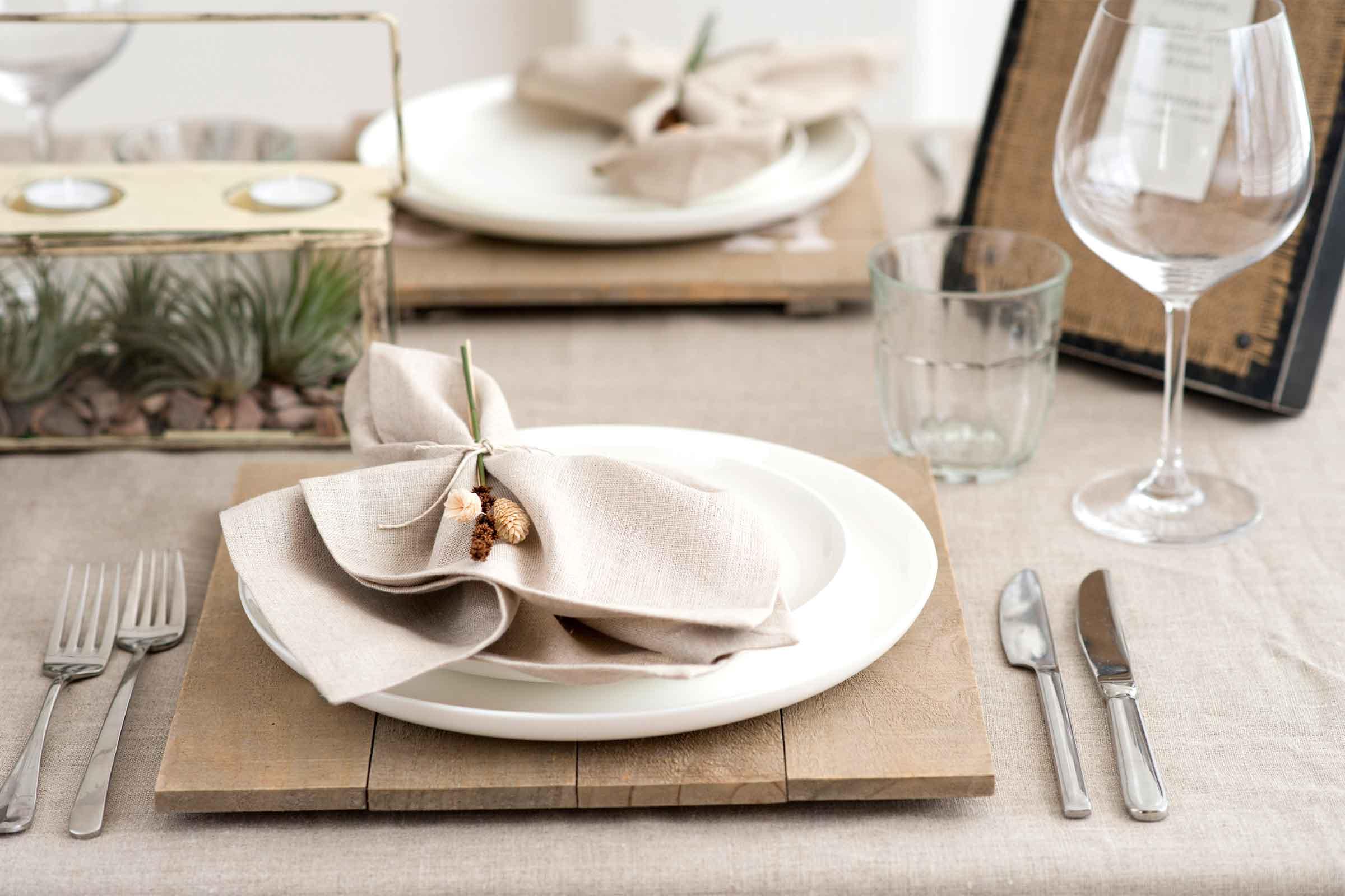 Украшение стола салфетками в стиле экоУкрашение стола салфетками в стиле эко