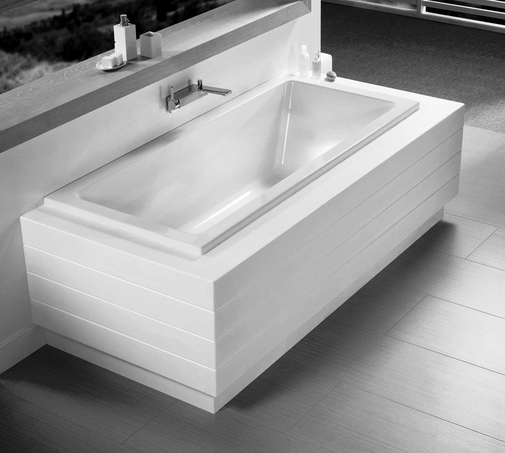 Прямоугольная ванна с экраном