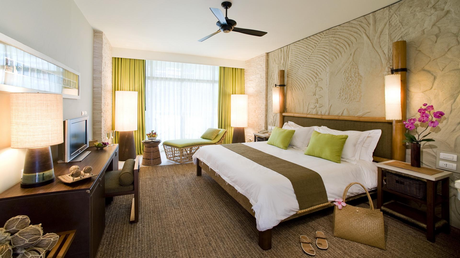 Уютная спальня в экзотическом стиле