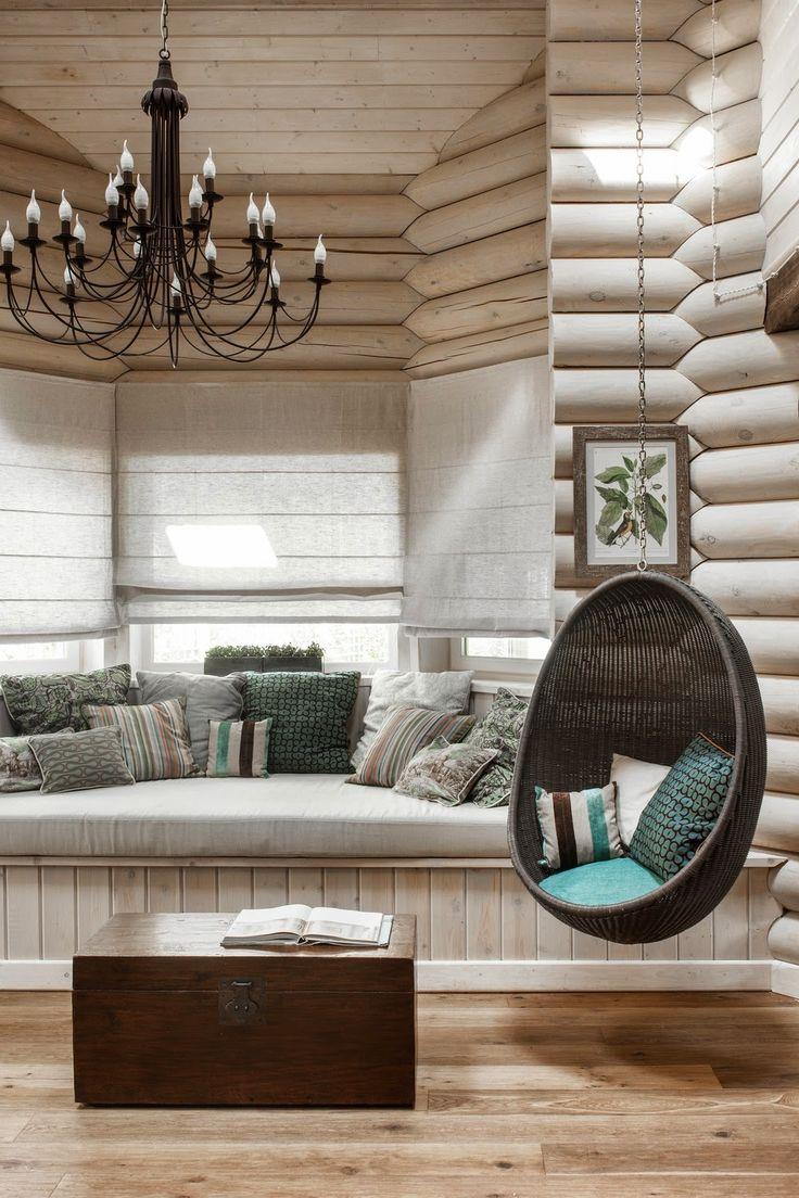 Деревянный эркерный диван