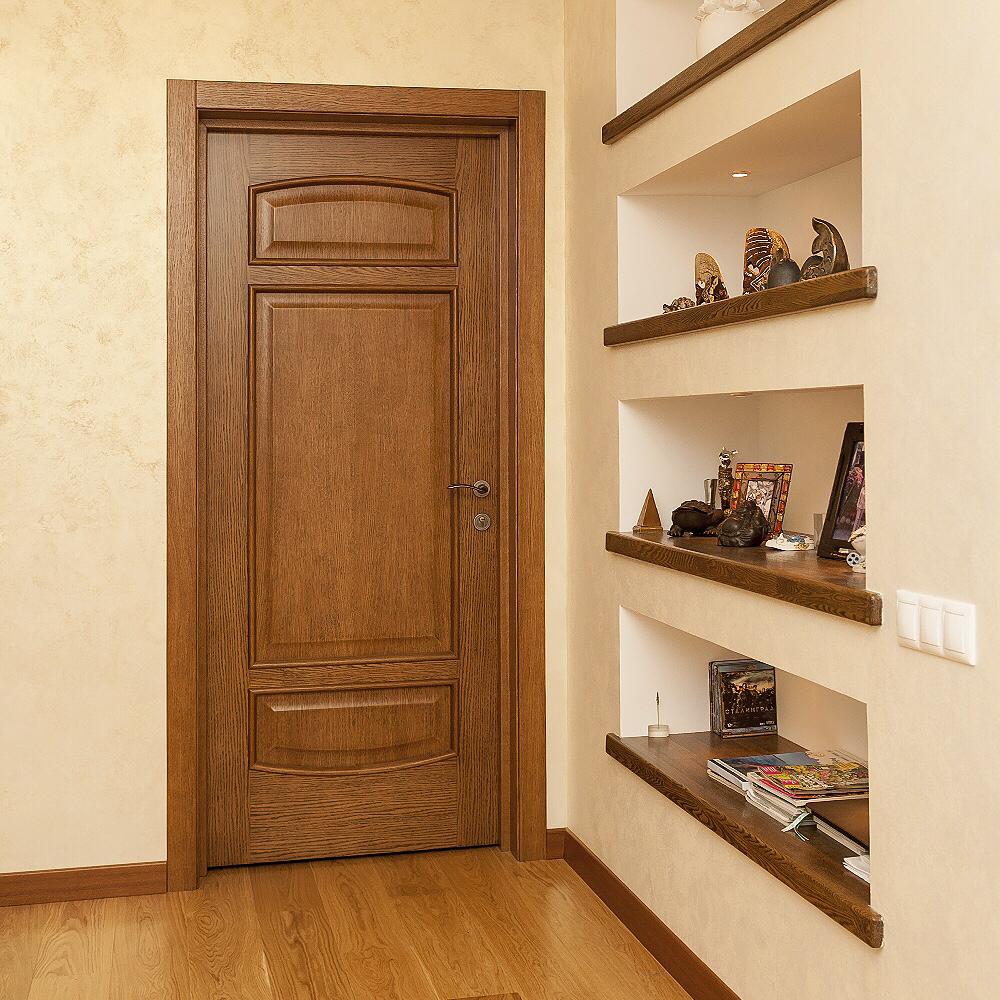 Дверь цвета ореха в стиле этно