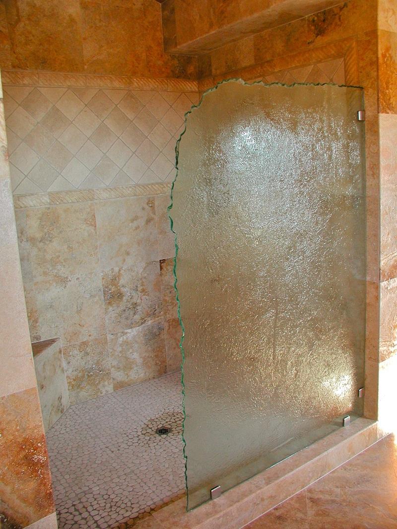 Душевая перегородка из фактурного стекла