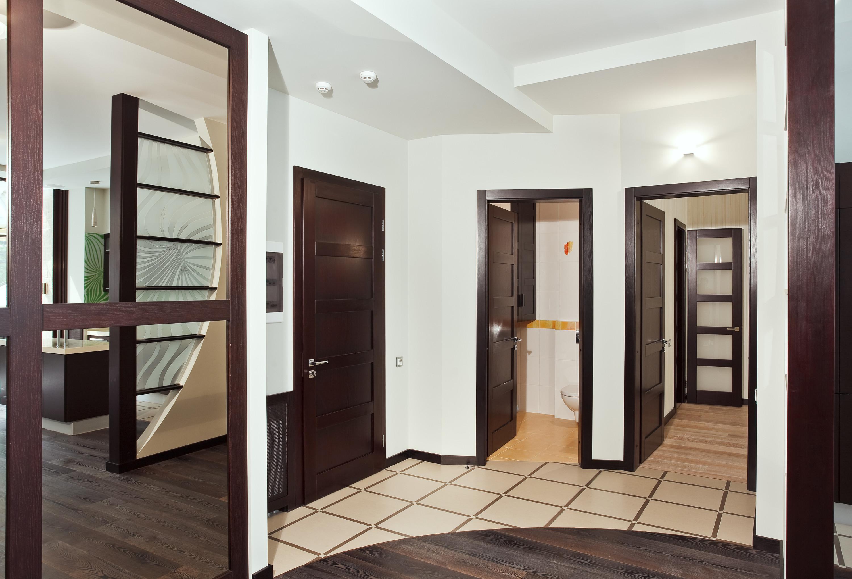 Филенчатая дверь цвета венге