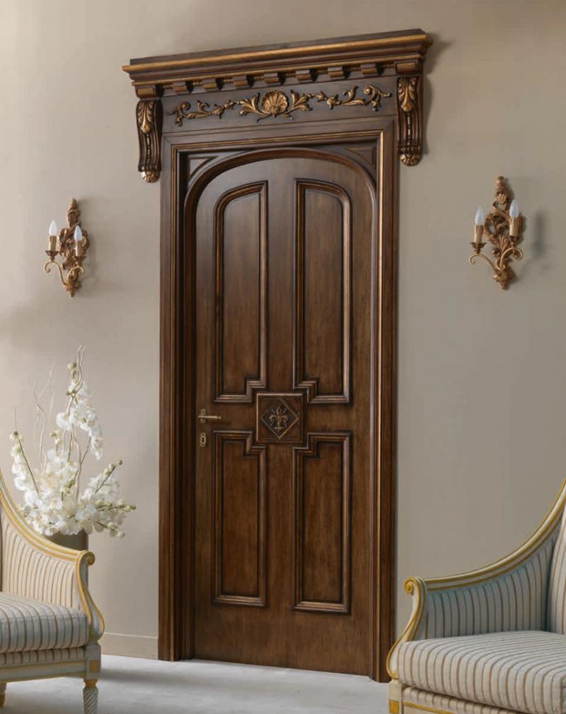 Классическая филенчатая дверь