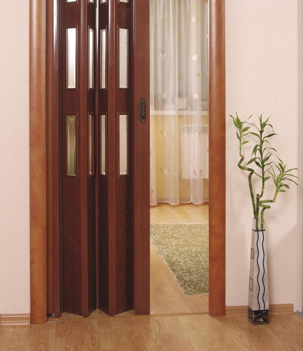 Дверь-гармошка цвета ореха