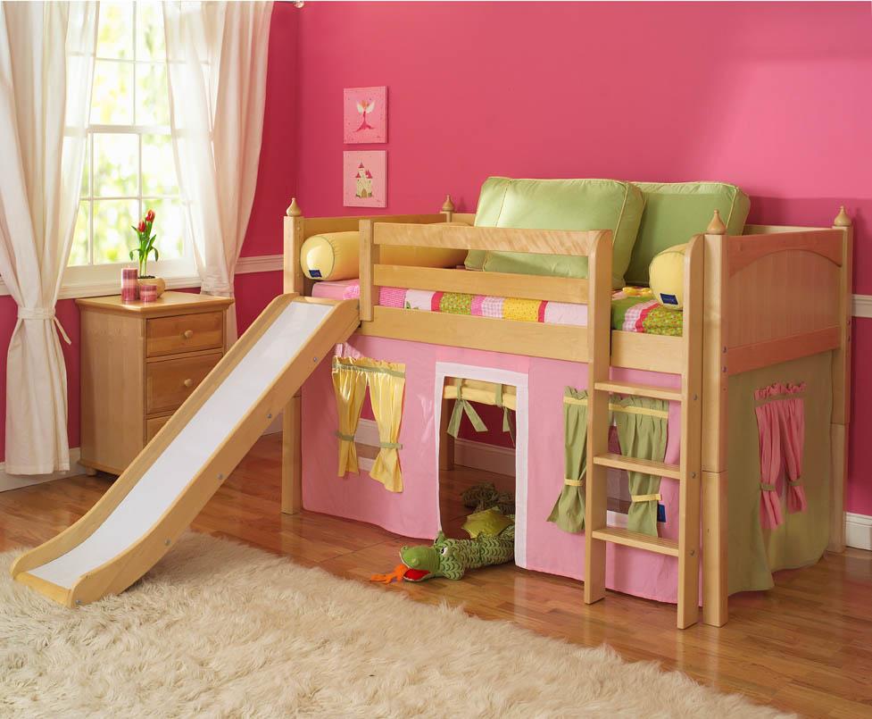 Кровать с горкой для девочки