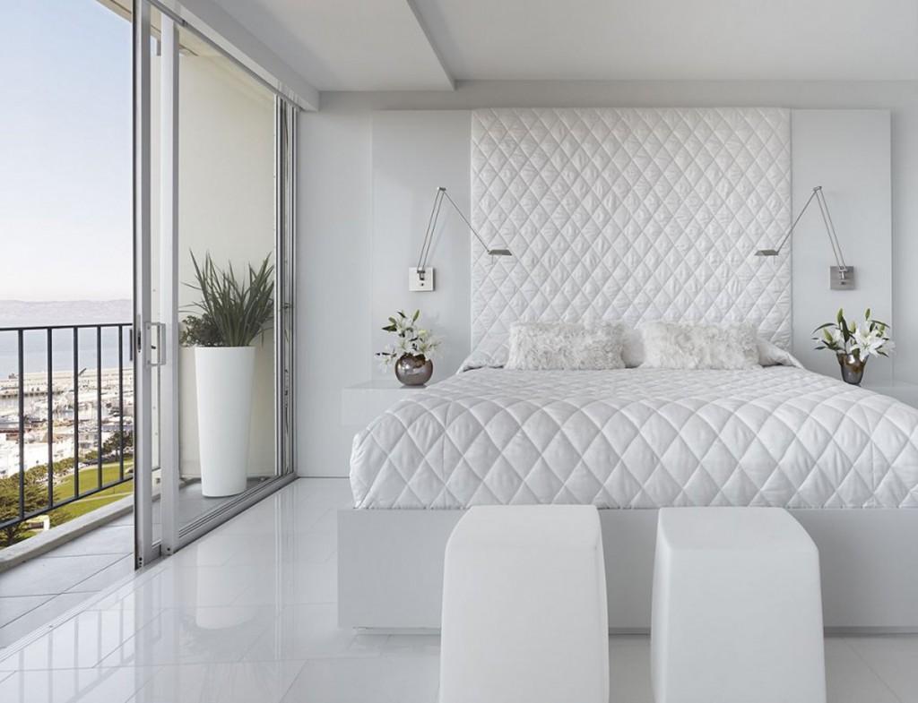 Белая кровать в стиле хай-тек