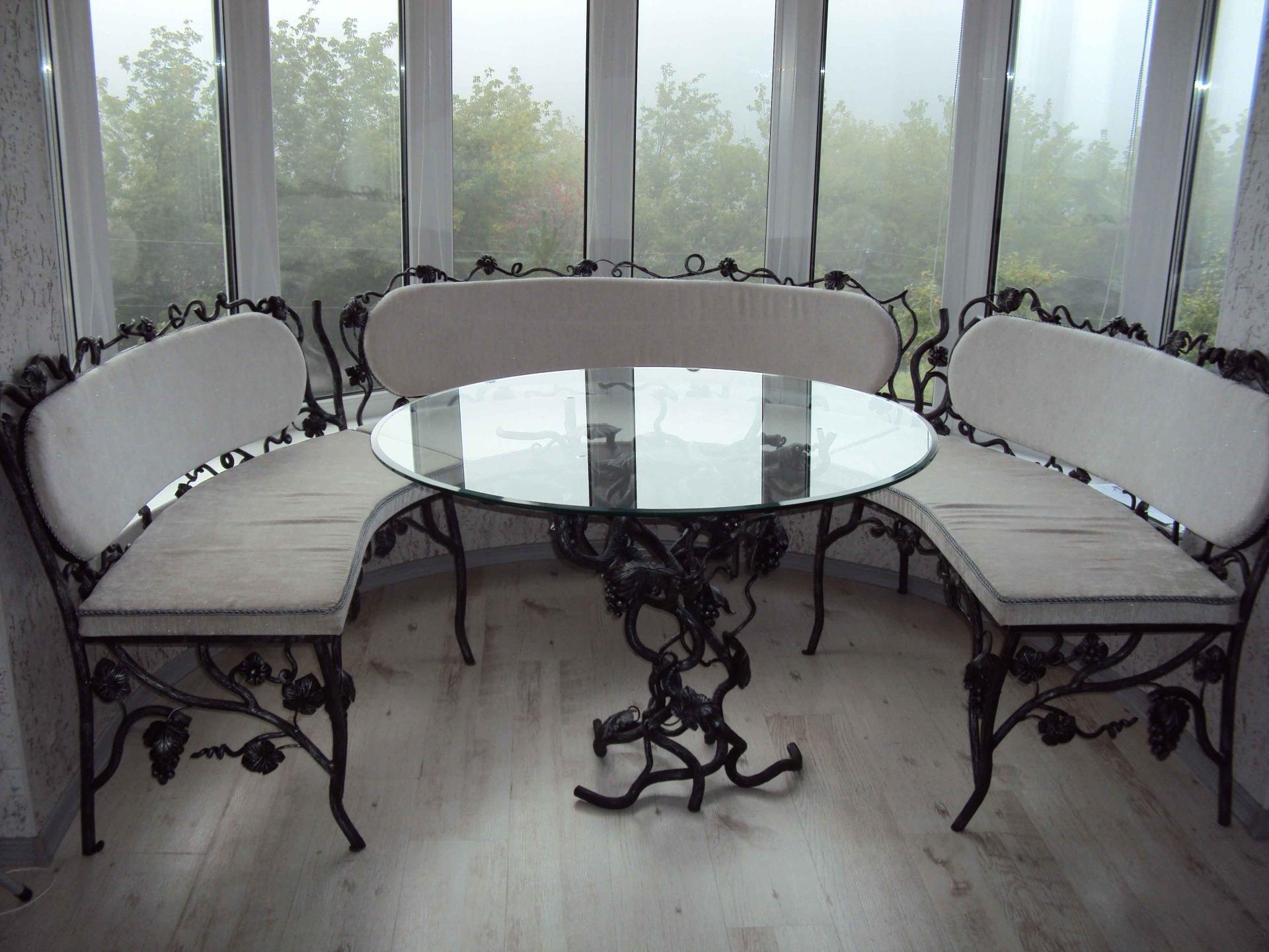 Металлический стол художественной ковки