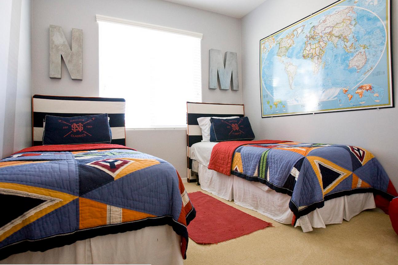 Кровать для мальчика с мягким изголовьем