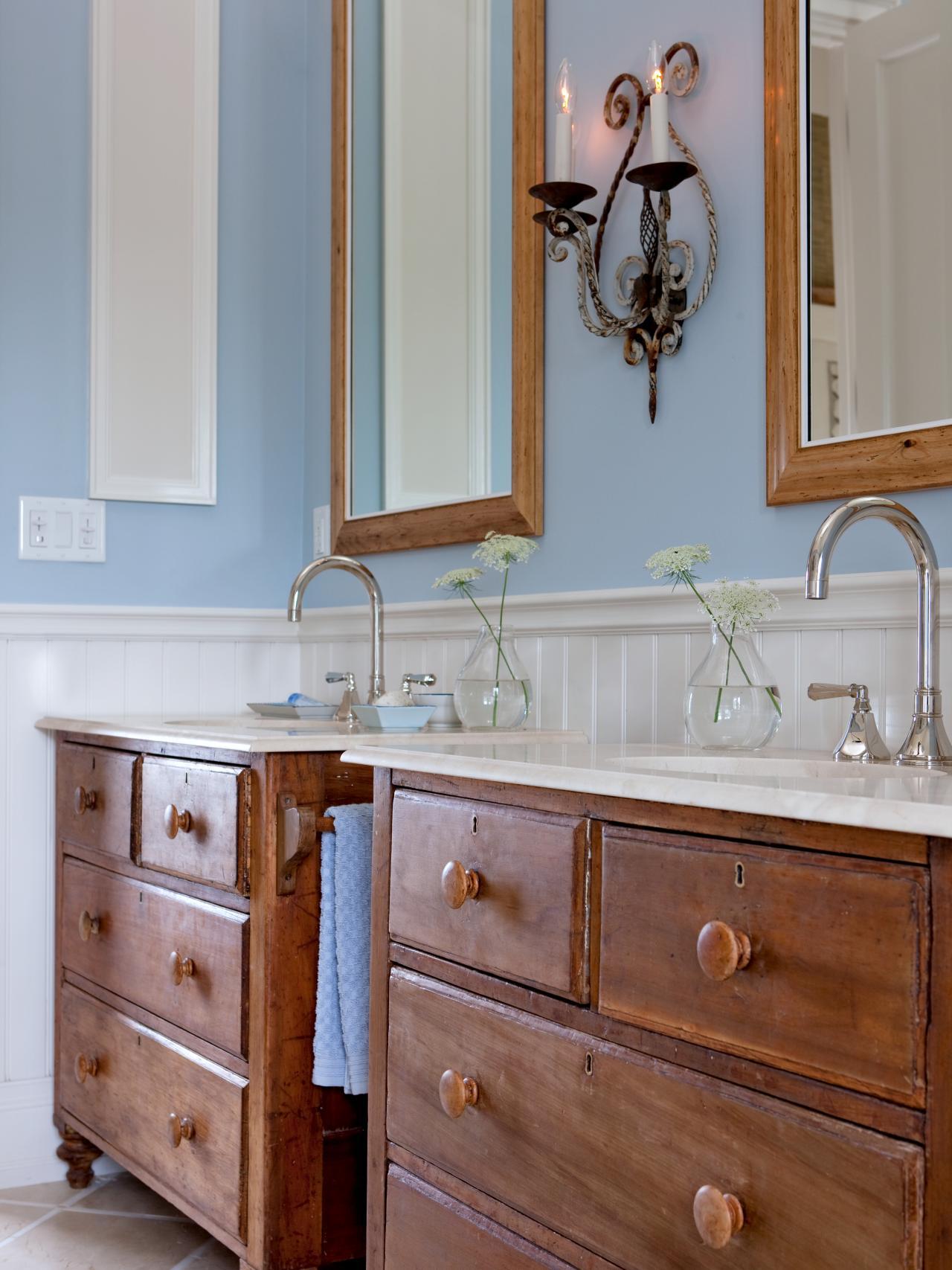 Шкаф для ванной в стиле кантри
