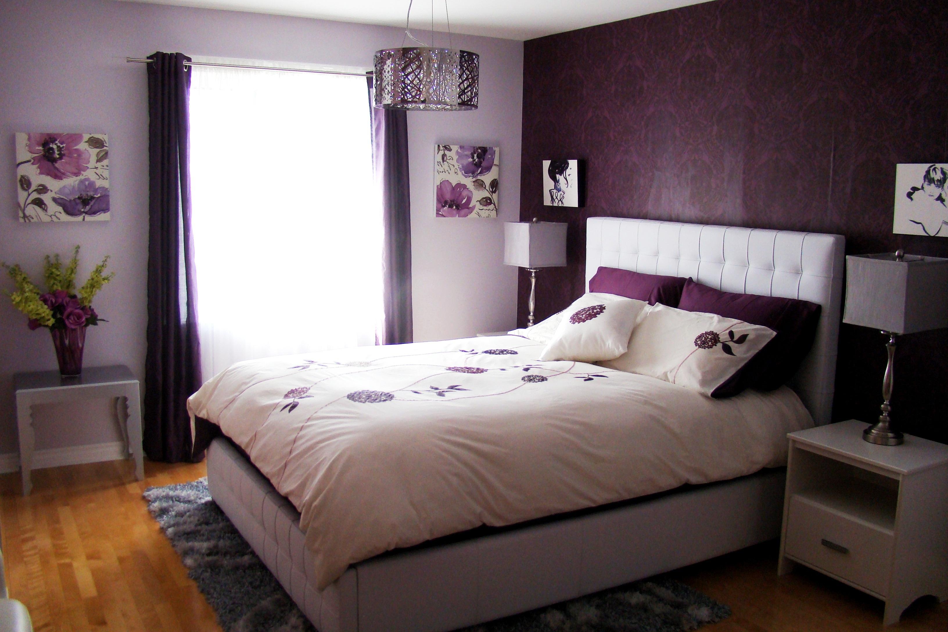 Картины сиреневого цвета в спальне