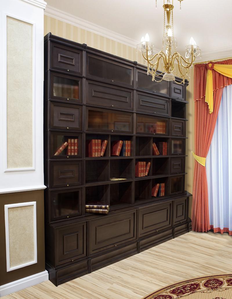 Книжный шкаф из массива в гостиной