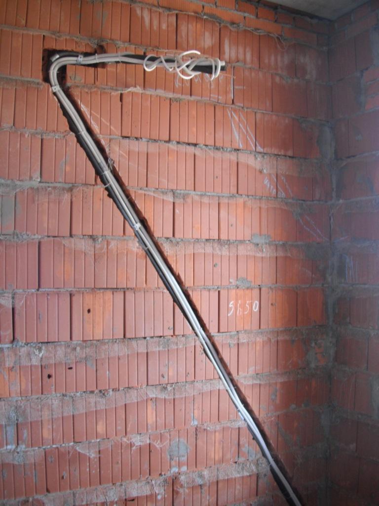 Штробление стены под кондиционер