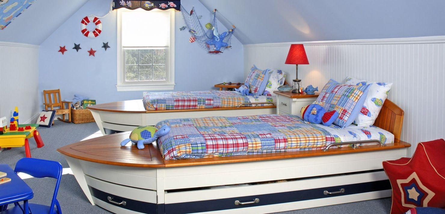 Кровать в виде корабля для мальчика