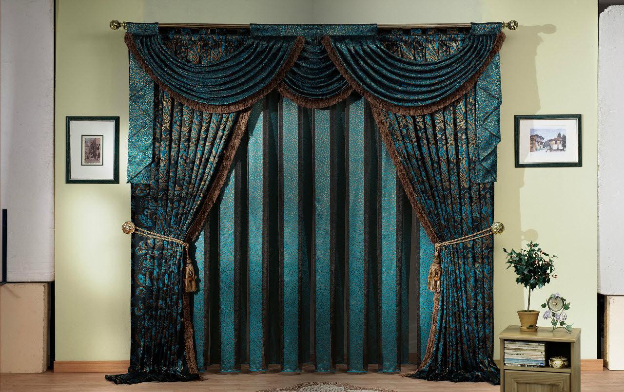 Коричнево-бирюзовые классические шторы