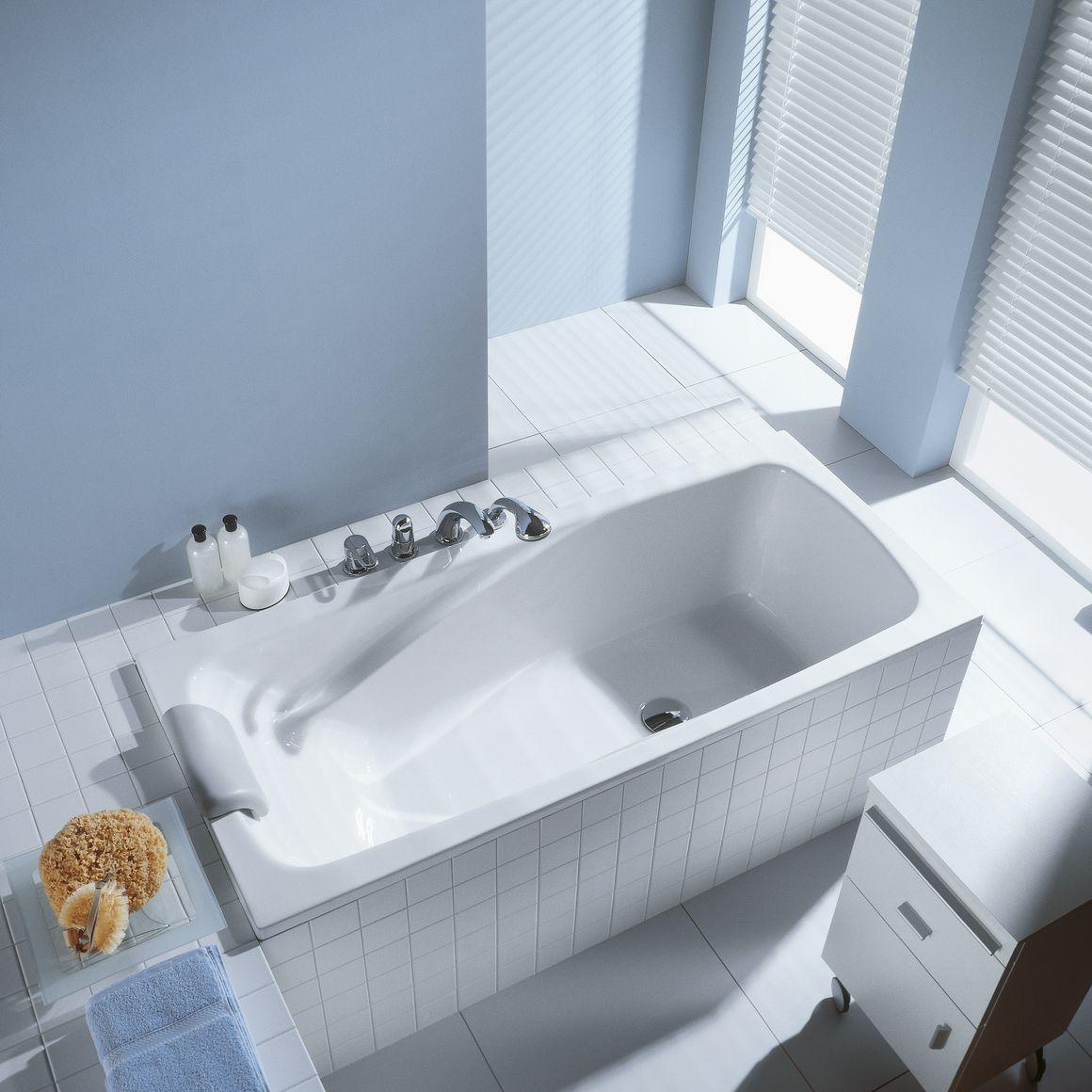 Прямоугольная ванна в коробе