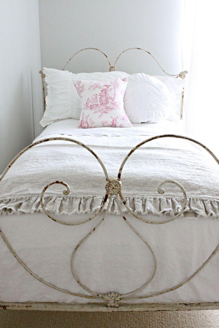Кованая кровать для девочки