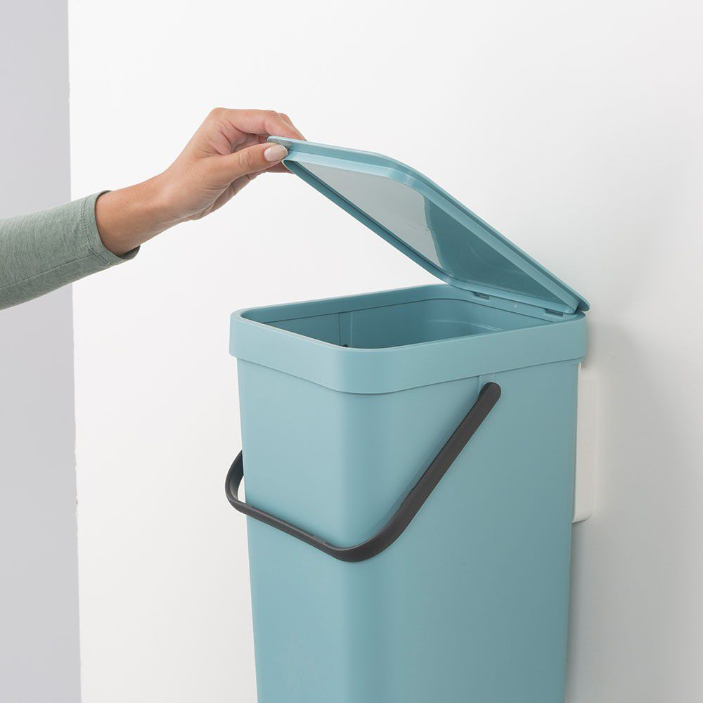 Ведро для мусора с крышкой