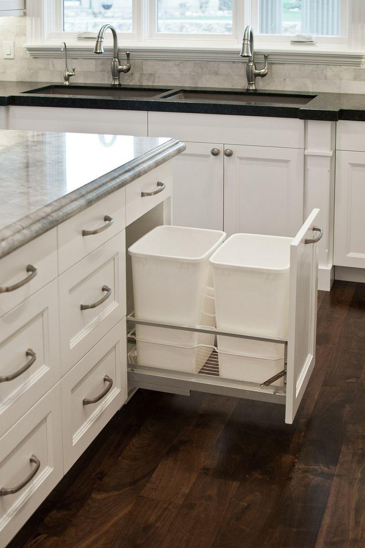 Ведро для мусора на кухне