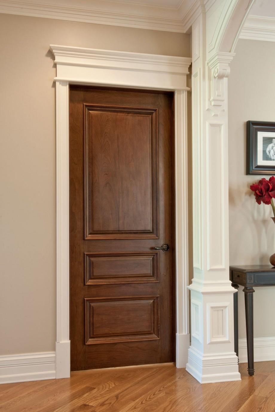 Лакированная дверь из дуба