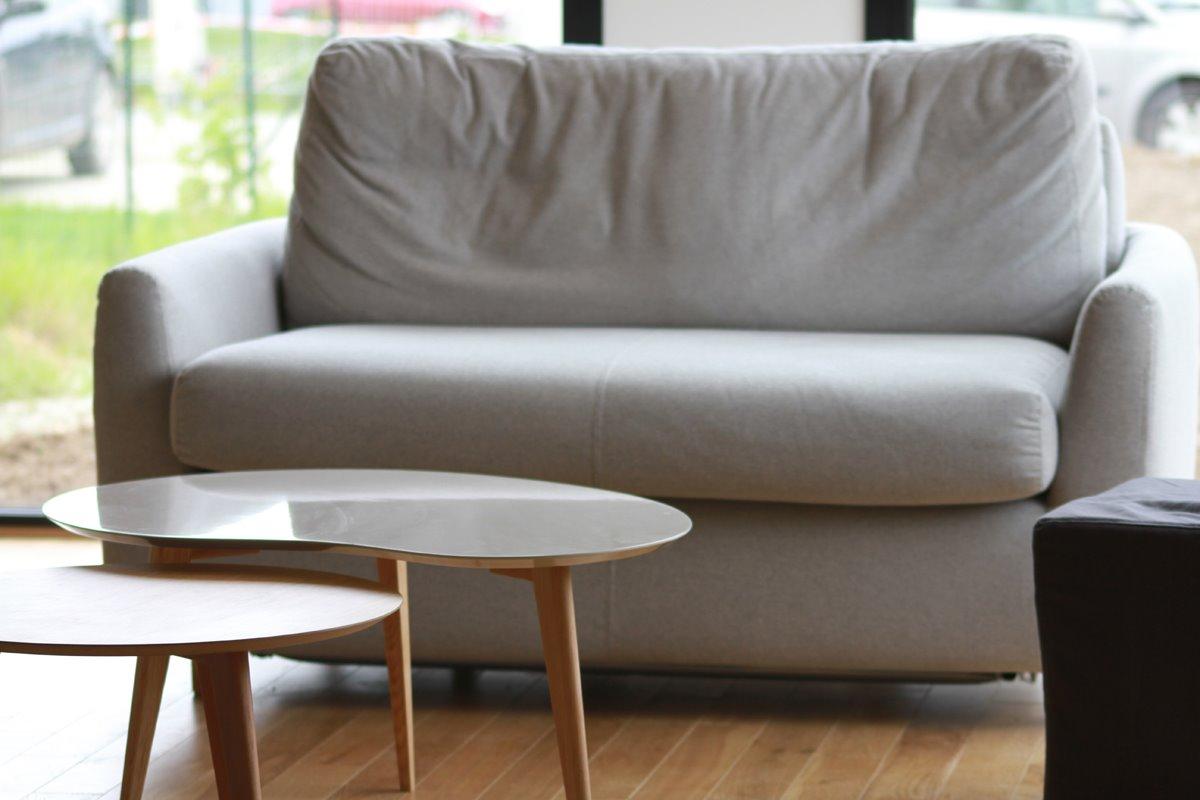 Выкатной маленький диван